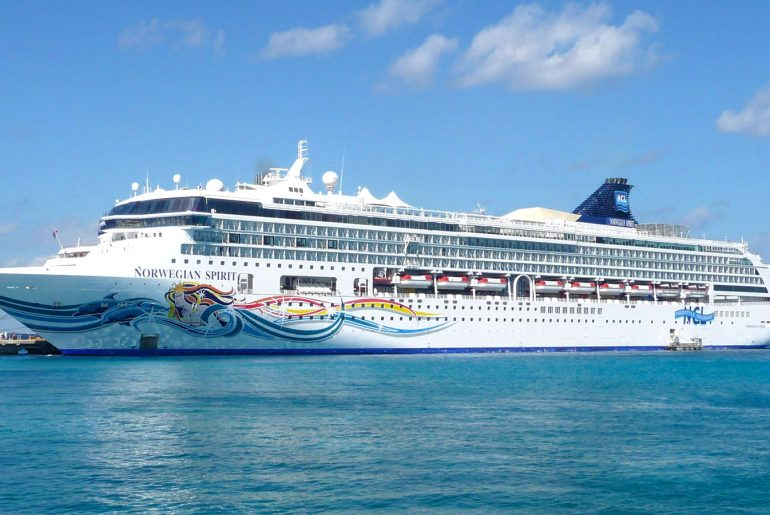 Roguetrippers took their very first cruise on board the Norwegian Spirit with Norwegian Cruiselines Freestyle cruising in December 2010 to Western Caribbean.