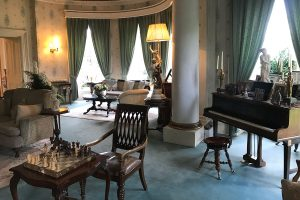 Roguetrippers loved sitting in the parlour of Ballyseede Castle and play the piano.