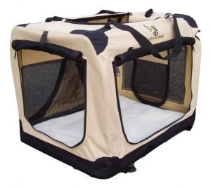 a foldable crate is perfect for a road trip with your dog. This is the type Roguetrippers use when they travel with their dogs.