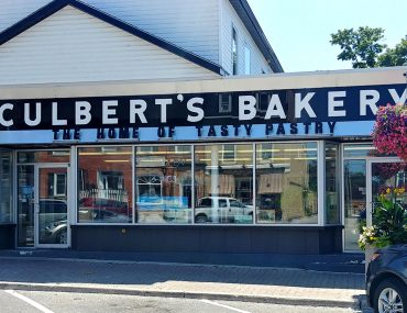 Roguetrippers visited Culbert's bakery in the beautiful town of Goderich, Ontario for the butter tart quest.