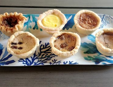 Roguetrippers took their butter tart quest to Shakespeare Pies near Stratford, Ontario