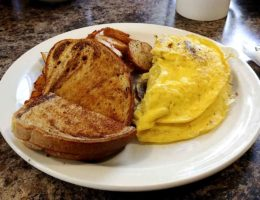 Daves diner in Sebringville known for delicious breakfasts
