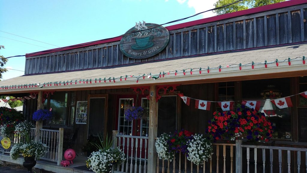 Roguetrippers visited Doo Doo's Bakery in Bailieboro Ontario, to try their butter tarts for our ButtertartQuest.